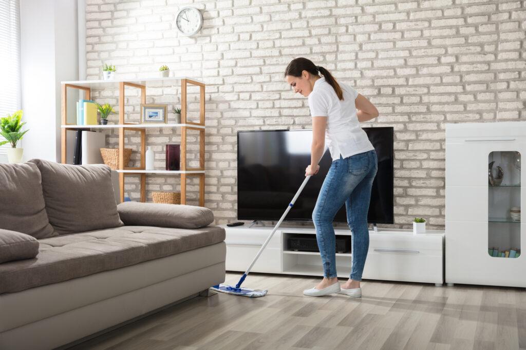 Cleaning The Hardwood Floor
